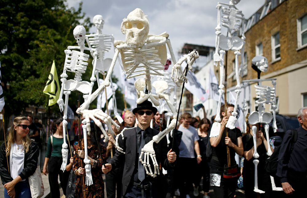 Marcha de ativistas do movimento Extinction Rebellion em Londres