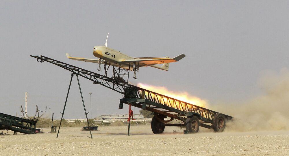 Drone iraniano é lançado durante exercício militar no sul do Irã (imagem de arquivo)