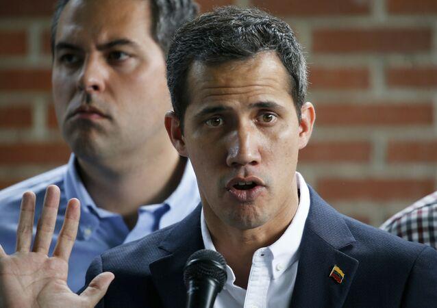 O autoproclamado presidente em exercício de Venezuela, Juan Guaidó