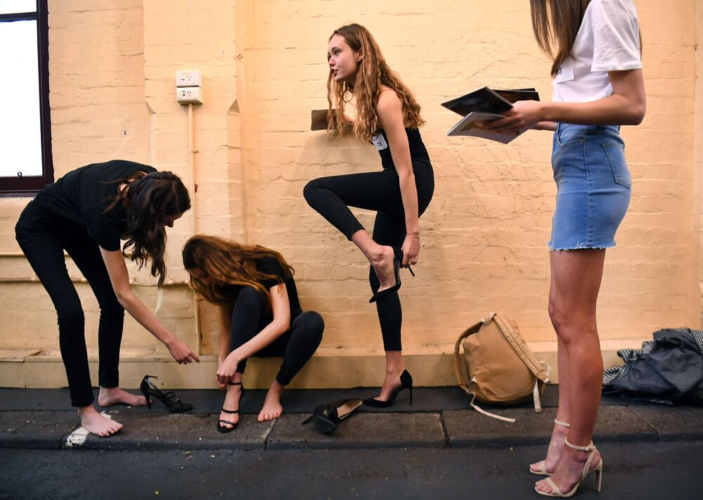 Modelos se preparando antes da semana de moda de Melbourne