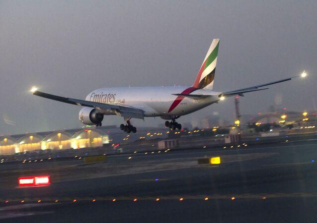 Avião da companhia aérea Emirates (foto de arquivo)