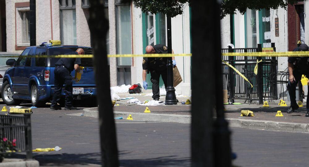 Polícia no local do tiroteio em Dayton, no estado de Ohio