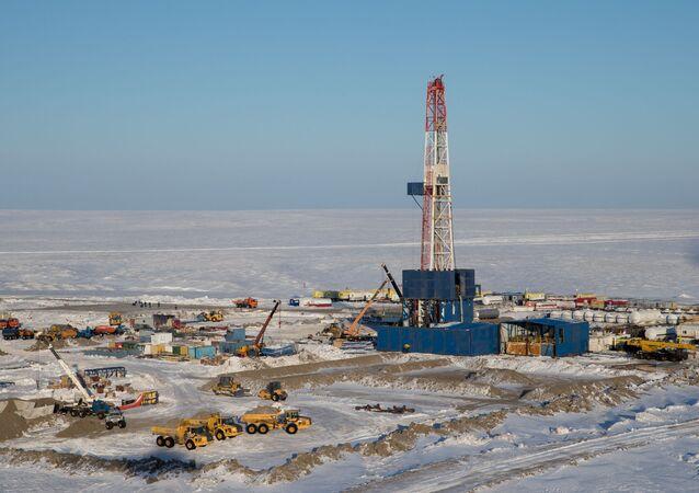 Extração do petróleo no Ártico