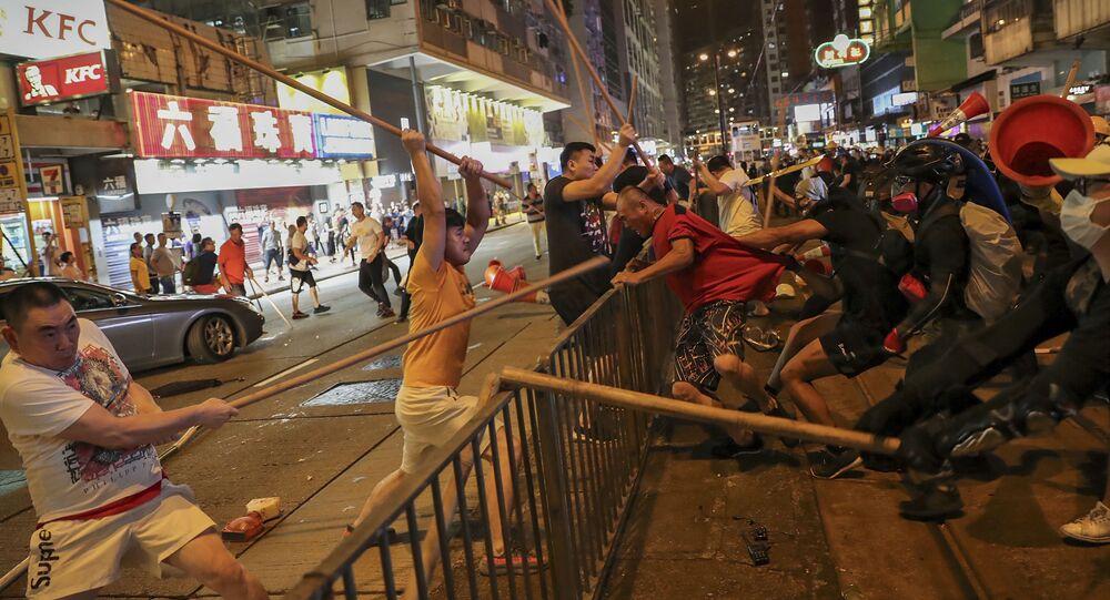 Confrontos durante protestos em Hong Kong