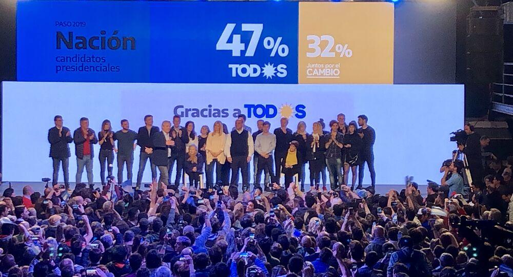 Celebração da vitória nas primárias argentinas de Alberto Fernández e Cristina Kirchner