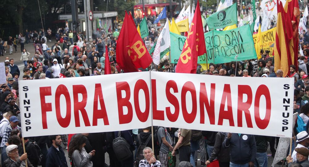 Ato na avenida Paulista contra cortes na educação, contra a reforma da Previdência e contra o governo de Jair Bolsonaro