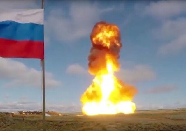Tropas de defesa antiaérea realizam teste com novo armamento russo no território do Cazaquistão (foto de arquivo)