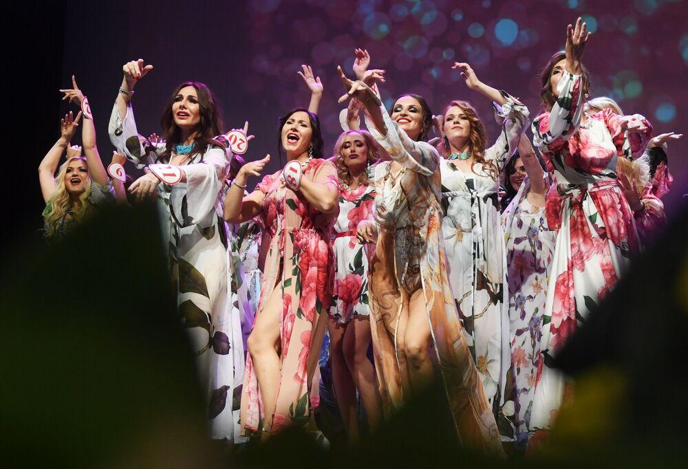 Candidatas na final do concurso Mrs. Rússia 2019 em Moscou