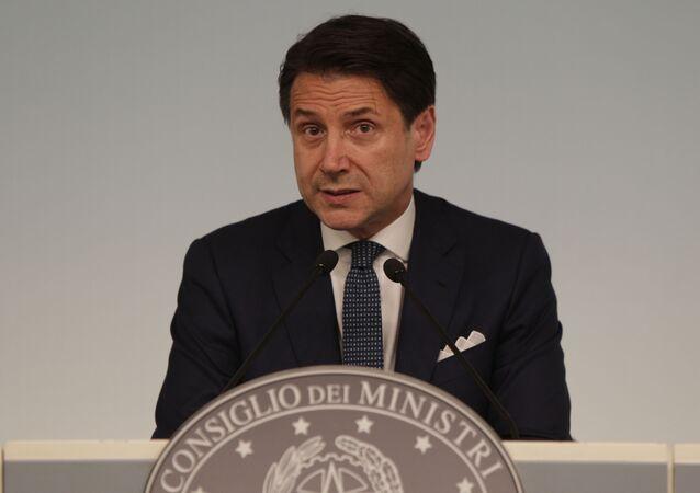 Primeiro-ministro italiano Giuseppe Conte durante conferência de imprensa no Palácio Chigi, em Roma