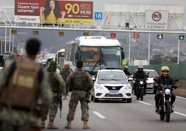 Ponte Rio-Niterói fechada durante sequestro em ônibus com 37 reféns, 20 de agosto de 2019.