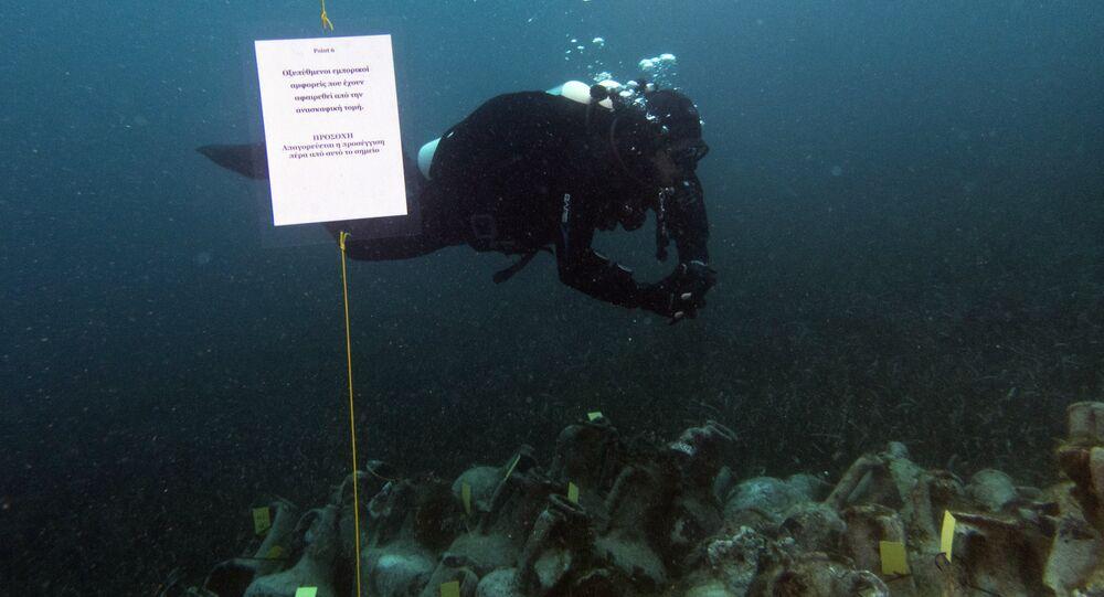 Pesquisadores encontram vasos do século V antes de Cristo em local de naufrágio