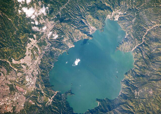 Lago Ilopango, formado após a erupção do vulcão no século VI