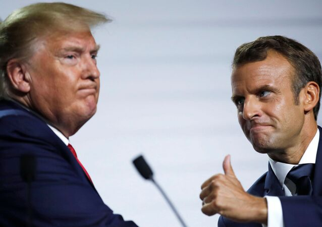 Emmanuel Macron e Donald Trump durante cúpula do G7 na França.