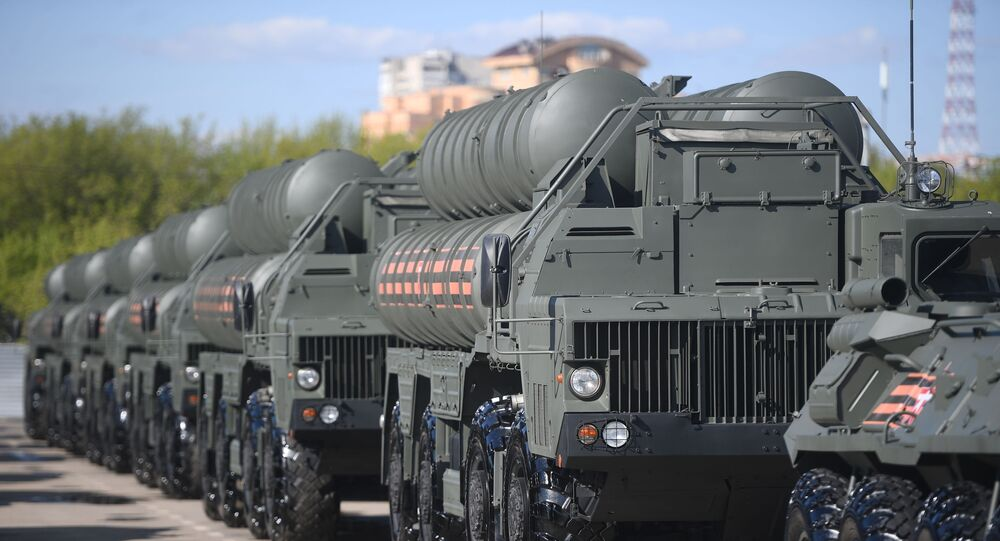 Sistemas de defesa antiaérea S-400 Triumph (imagem referencial)