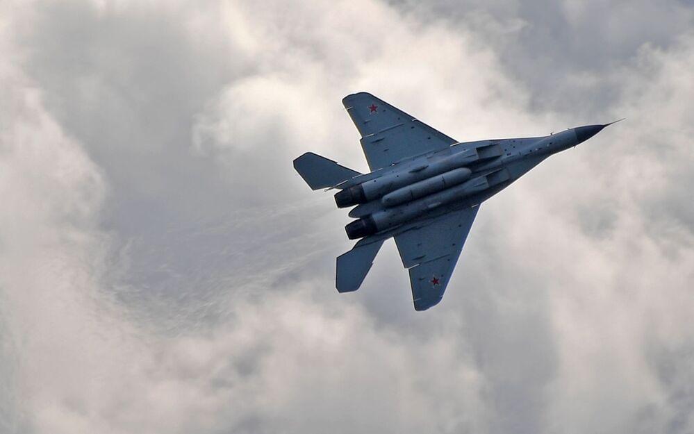 Caça tático multifuncional russo MiG-35 realiza voo no Salão Aeroespacial Internacional MAKS-2019 em Zhukovsky, na Rússia