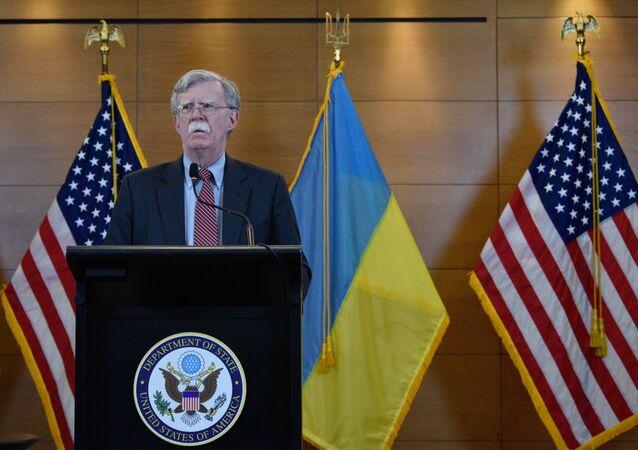 Assessor de Segurança Nacional dos EUA, John Bolton, durante a coletiva de imprensa em Kiev, em 28 de agosto de 2019