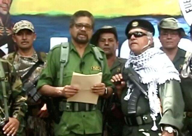 Iván Márquez, ex-comandante das FARC, anuncia o retorno à luta armada.