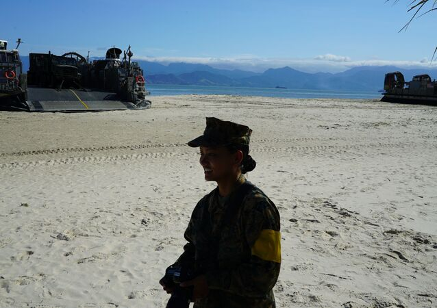 Militar do Corpo de Fuzileiros Navais dos Estados Unidos durante exercício no Rio de Janeiro