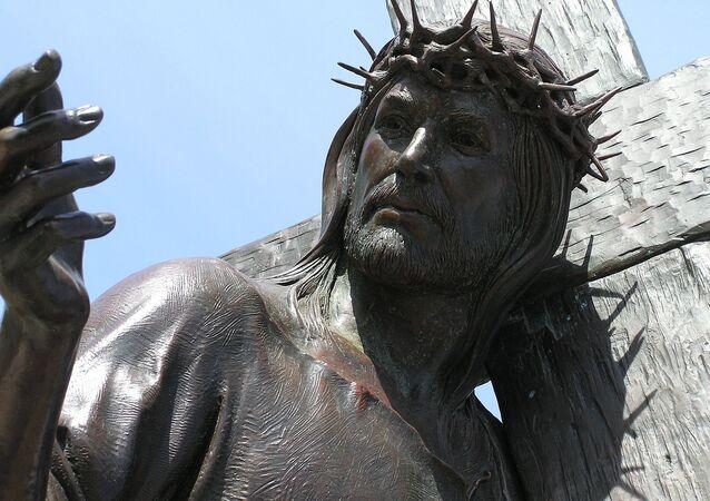 Escultura de Jesus Cristo (imagem referencial)