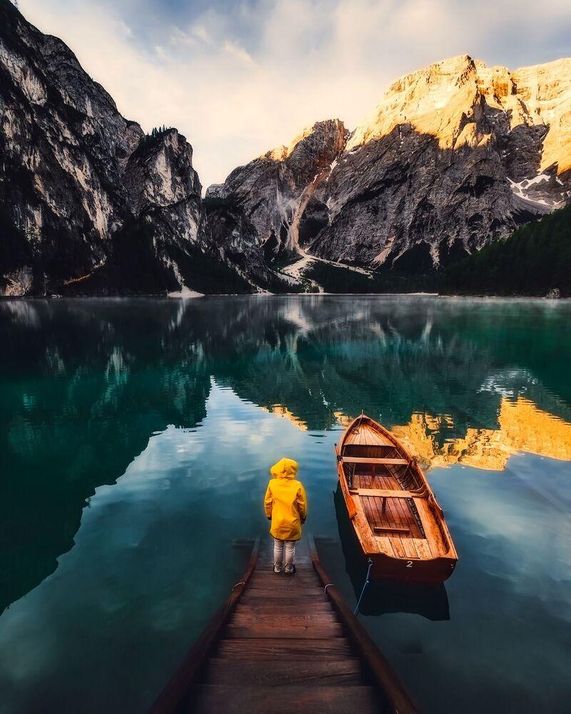 Com olhos atentos para as montanhas na Itália