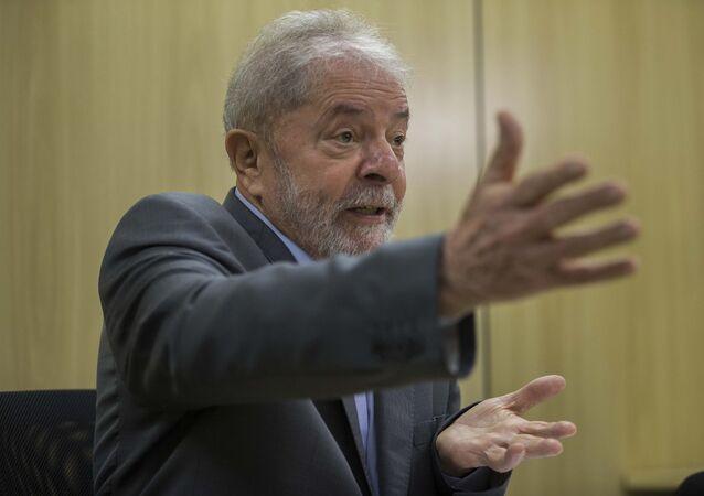O ex-presidente Lula (PT) durante entrevista exclusiva à Folha e ao jornal El País, em Curitiba, em 26 de abril de 2019
