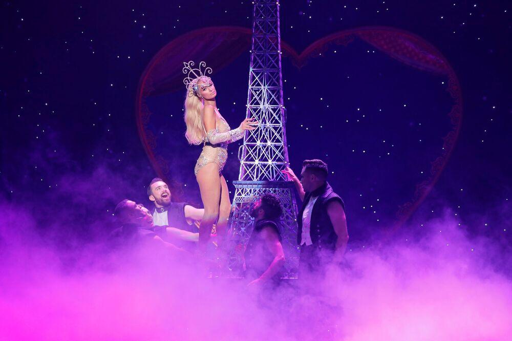 Paris Hilton na apresentação da coleção The Blonds Spring 2020 na New York Fashion Week, 9 de setembro de 2019