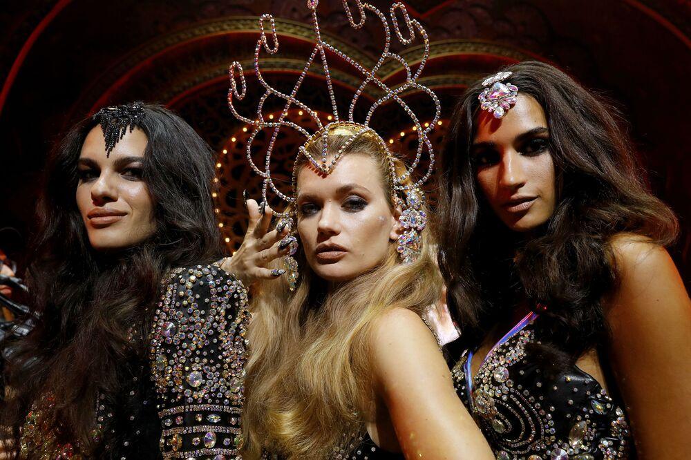 Modelos posam durante os primeiros looks para The Blonds x Moulin Rouge! The Musical durante a New York Fashion Week, em 9 de setembro de 2019