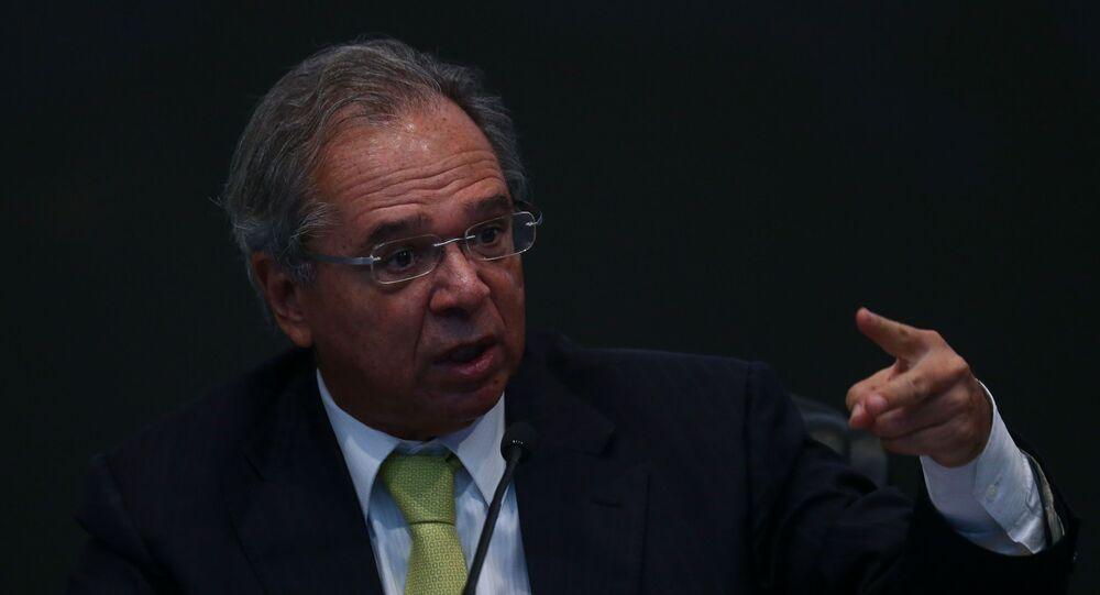 O ministro da Economia, Paulo Guedes, fala durante seminário sobre a MP da Liberdade Econômica, no STJ, em Brasília, em 12 de agosto de 2019.