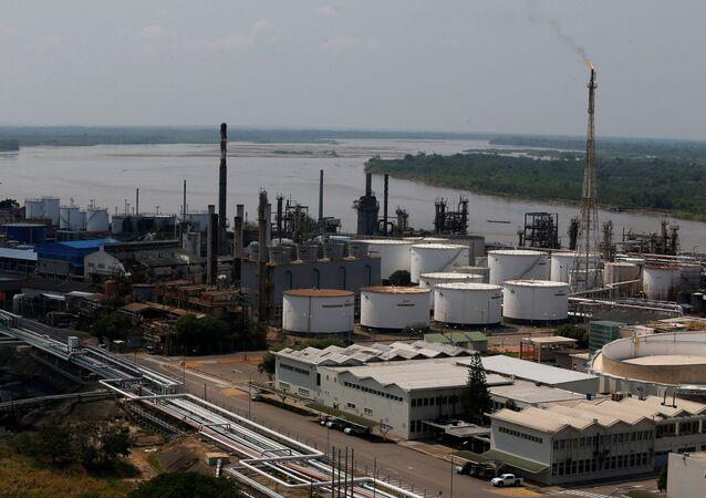Refinaria de petróleo da Ecopetrol em Barrancabermeja, Colômbia (arquivo)