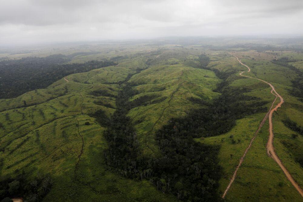 Vista aérea mostra área desmatada na Floresta Amazônica perto da cidade de Altamira, estado do Pará, Brasil, 11 de setembro de 2019