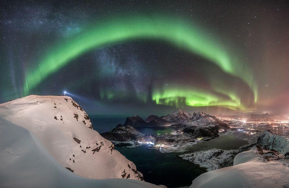 Fotografia mostrando a aurora feita pelo fotógrafo alemão Nicolai Brügger, que ganhou o 1º lugar na categoria Aurorae do concurso Insight Investment Astronomy Photographer of the Year 2019
