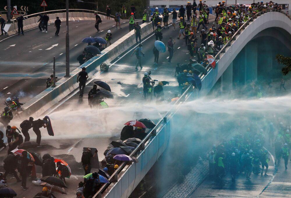 Manifestantes na frente do edifício do Governo Central em Hong Kong, China, 15 de setembro de 2019