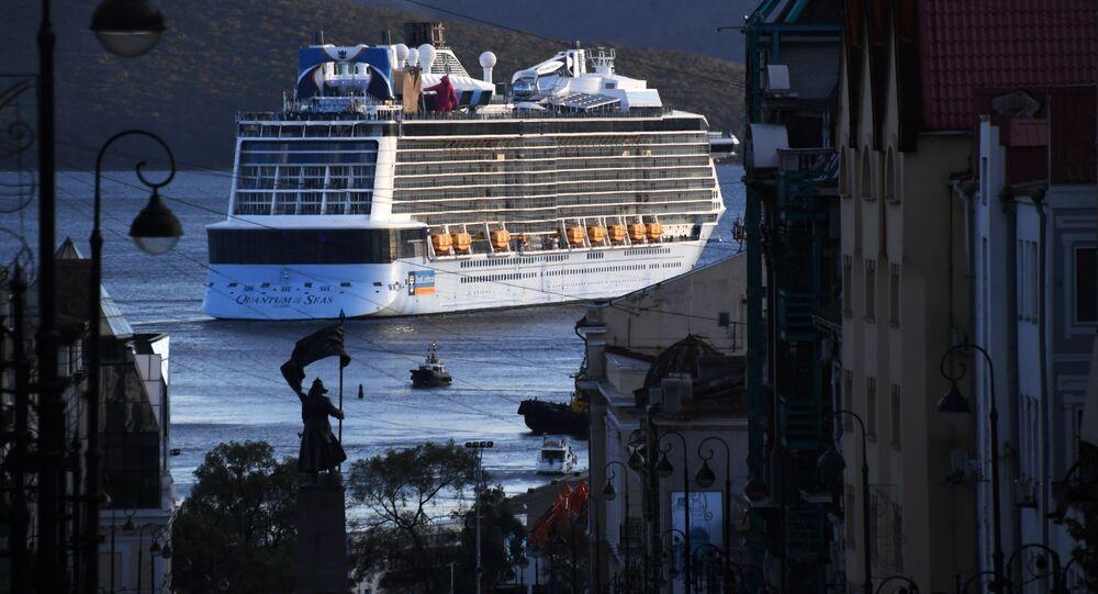 Navio de cruzeiro Quantum of the Seas no porto de Vladivostok, na Rússia (imagem referencial)