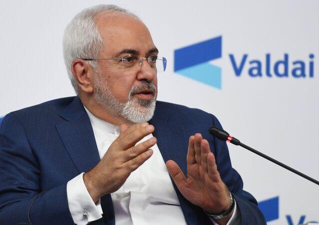 O ministro das Relações Exteriores do Irã, Javad Zarif, durante a conferência Rússia no Oriente Médio: Atuando em todas as áreas, evento  do Clube de Valdai, em Moscou.