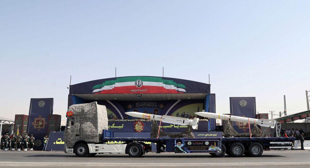 Mísseis durante o desfile militar na cerimônia do Dia Nacional do Exército em Teerã, em 22 de setembro de 2019