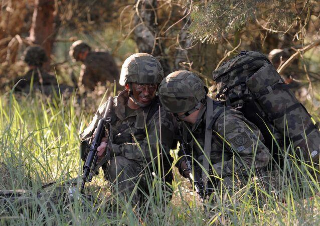 Soldados durante exercícios da OTAN