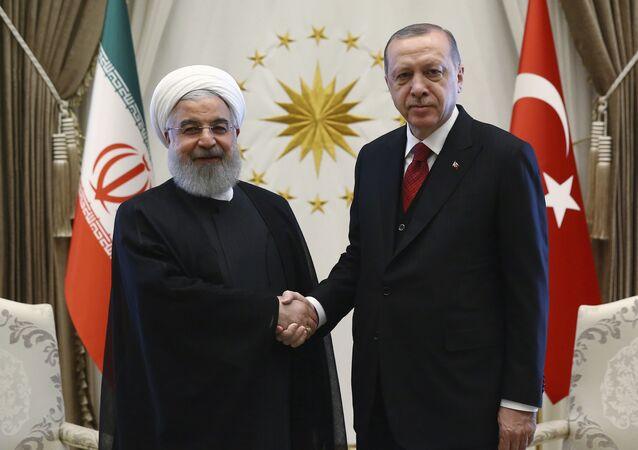 Hassan Rouhani, presidente do Irã, e Recep Tayyip Erdogan, presidente da Turquia (arquivo)