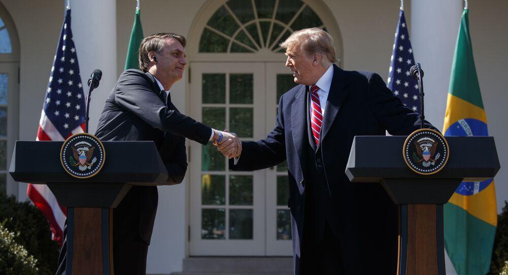 Jair Bolsonaro, presidente do Brasil, e Donald Trump, presidente dos EUA, durante coletiva de imprensa em Washington (arquivo)