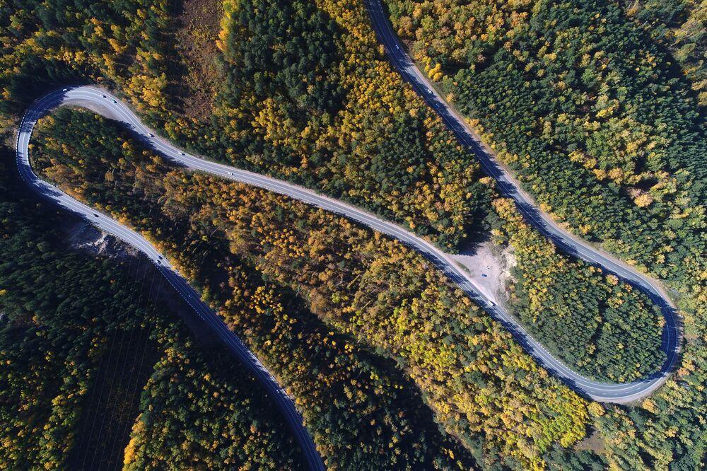 Rodovia Federal russa R257 Enisey nas proximidades da cidade siberiana de Krasnoyarsk