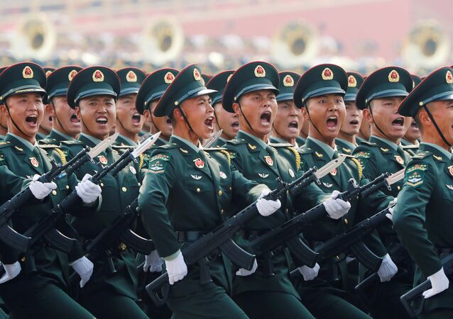Militares do Exército chinês durante o desfile militar marcando o 70º aniversário da fundação da República Popular da China, em Pequim