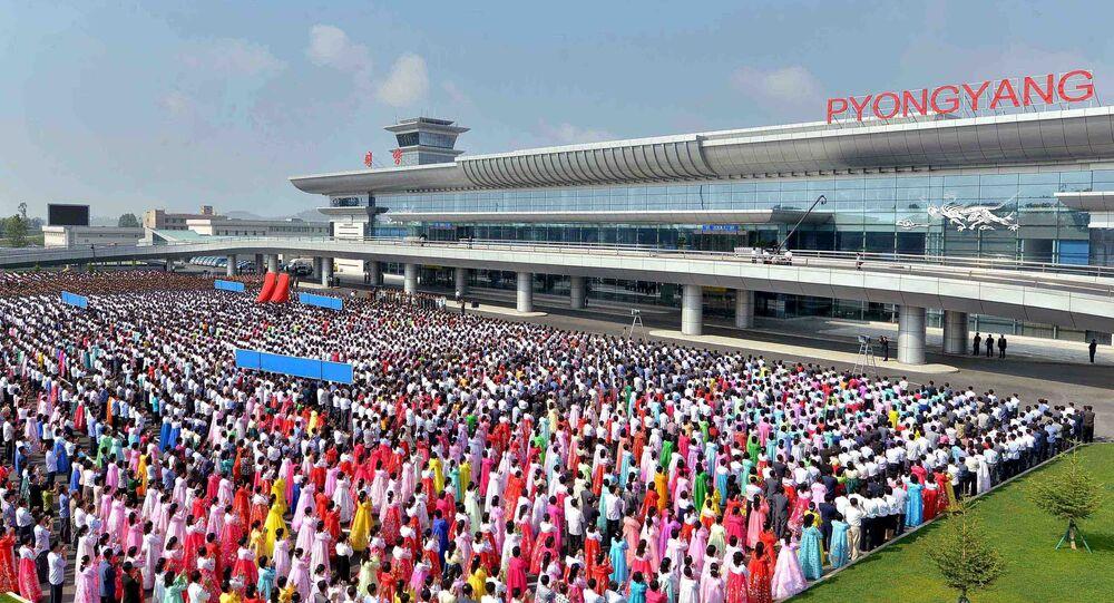Cerimônia de inauguração do Aeroporto Internacional de Pyongyang.