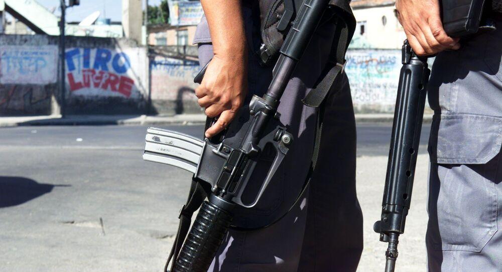 Agentes da Polícia Militar durante operação em Vigário Geral, Zona Norte do Rio de Janeiro (arquivo)