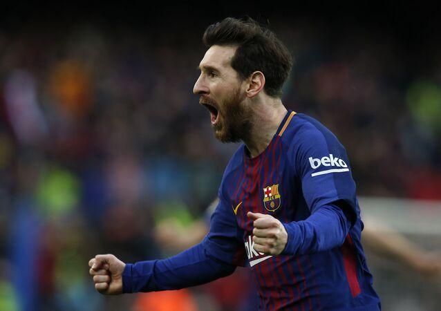 Lionel Messi jogando pelo Barcelona em partida do Campeonato Espanhol (arquivo)
