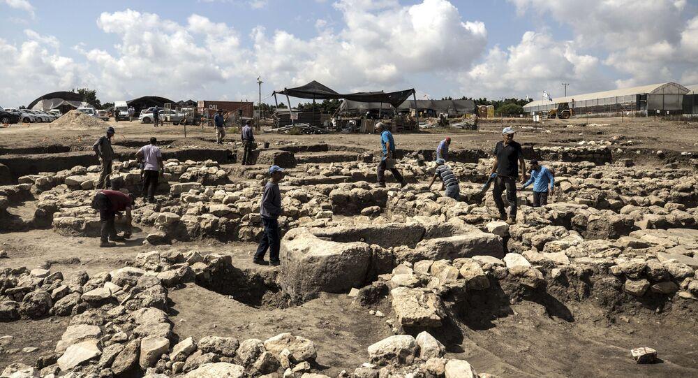 Arqueólogos trabalham em grande cidade de 5.000 anos descoberta perto de Harish, no norte de Israel (imagem referencial)