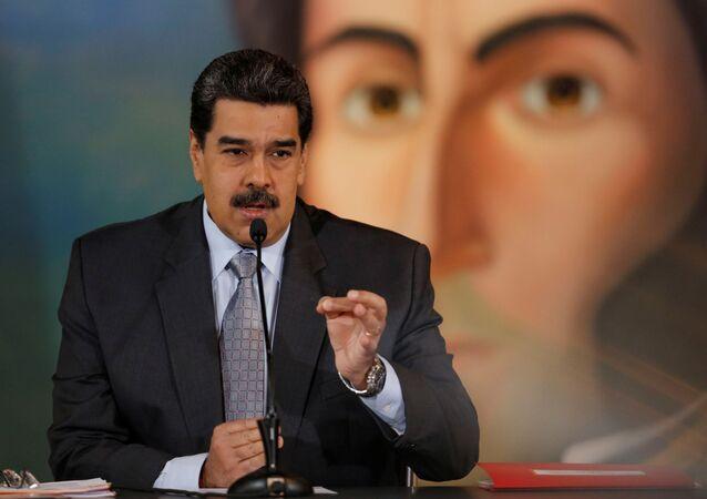 Presidente da Venezuela, Nicolás Maduro, gesticula ao falar durante coletiva de imprensa em Caracas, Venezuela, 30 de setembro de 2019