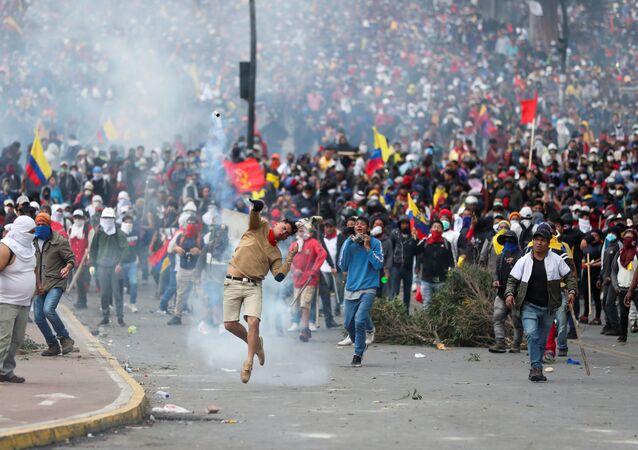 Protestos no Equador contra as medidas de austeridade adotadas pelo governo de Lenín Moreno