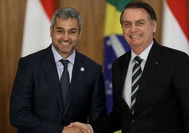 O presidente Jair Bolsonaro e o presidente do Paraguai, Mario Abdo Benítez, no Palácio do Planalto.