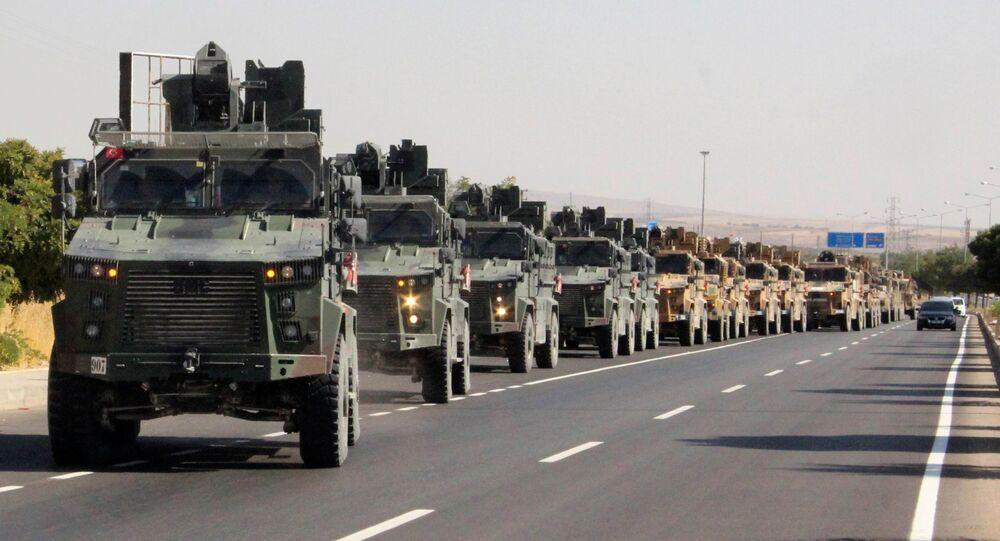 Militares turcos na fronteira turco-síria
