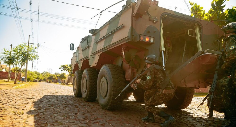 As tropas treinaram uma ação de retomada e ocupação da Usina de Itaipu.