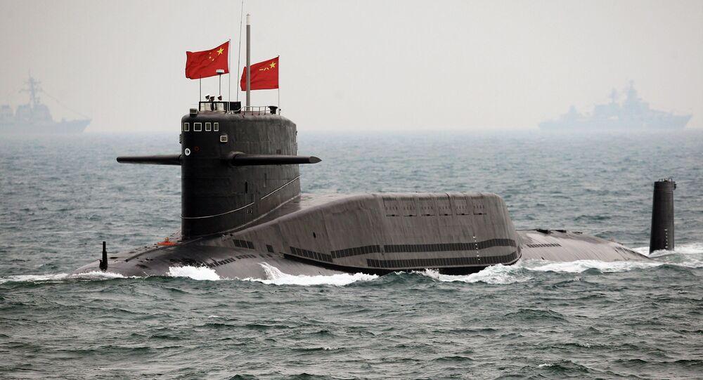 Um submarino nuclear chinês durante celebração do 60° aniversário da República Popular da China